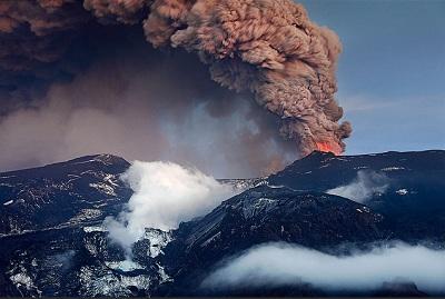 Eyjafjallajökull, icelandic volcano on www.bright-work.co.uk