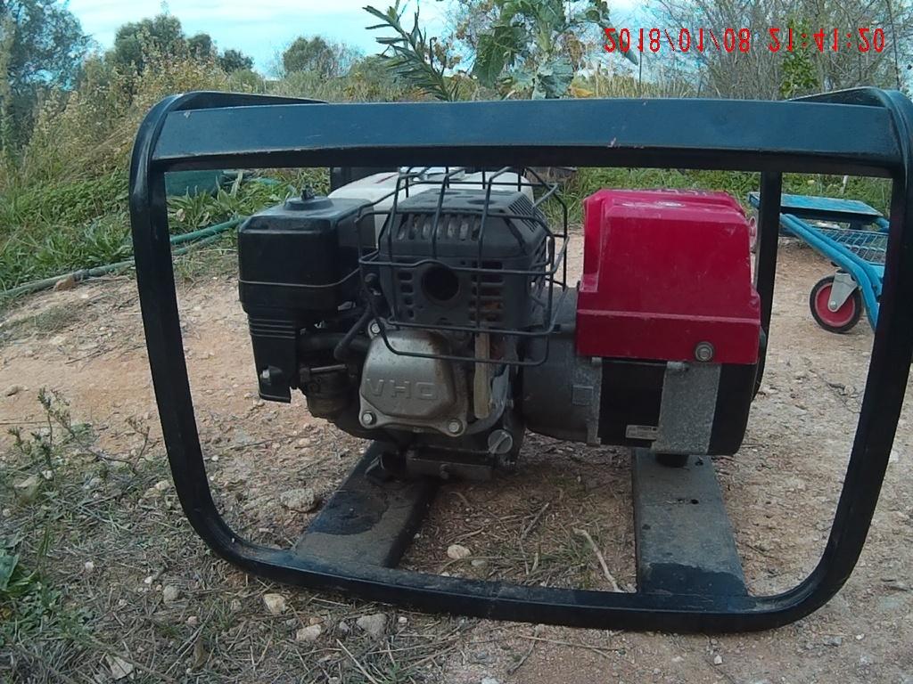 Algarve no campo, oliveiras, gerador com Honda GX160 motor